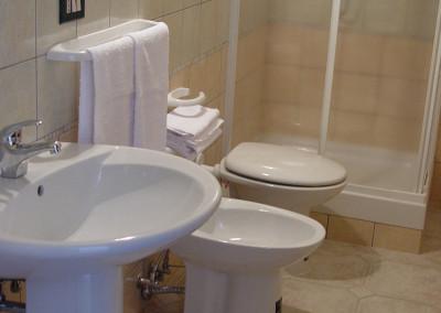 appartamenti - particolare del bagno (1)